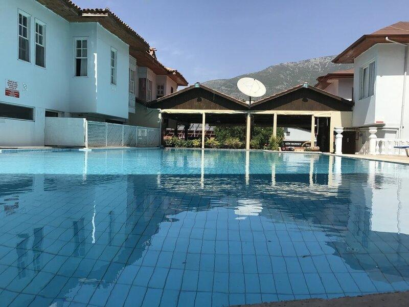 R.e.d. Hotel