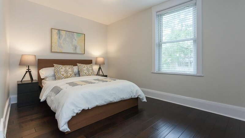 Applewood Suites - Danforth Avenue