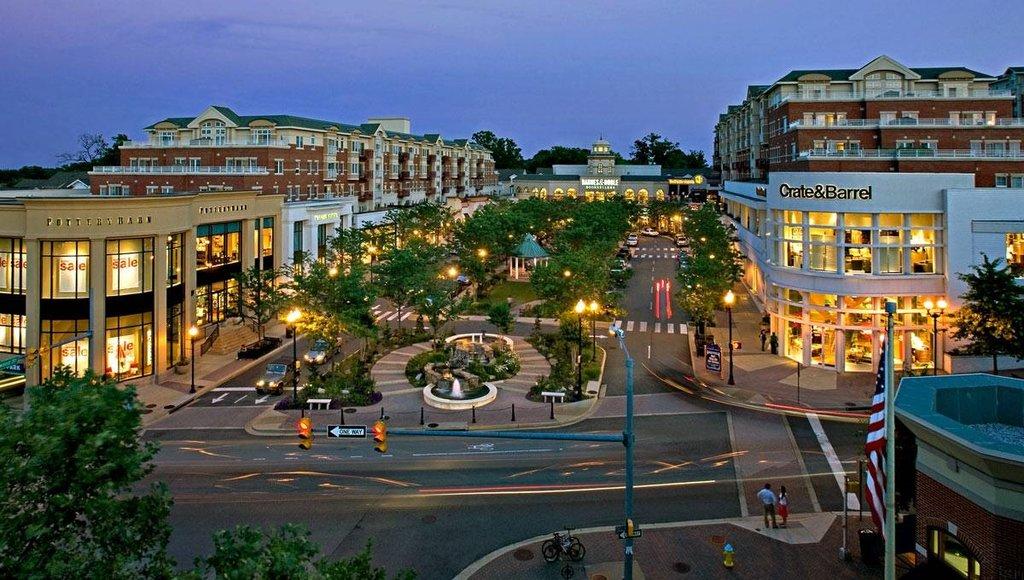 торговый центр — Market Common Clarendon — город Арлингтон, фото №1