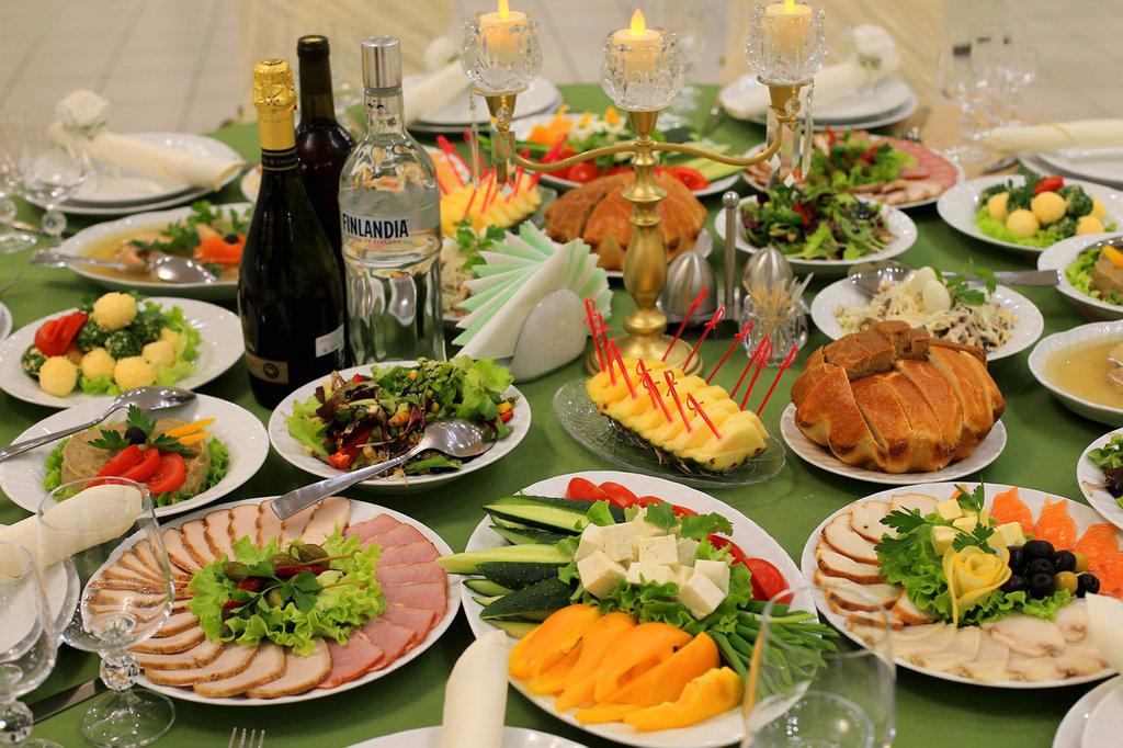первое, что фото праздничного стола еда почти всю