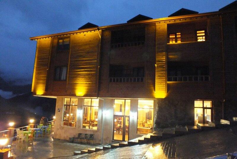Yedigoller Hotel & Restaurant