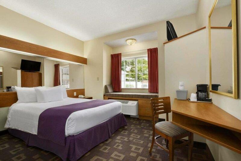 Microtel Inn & Suites by Wyndham Charlotte/Northlake