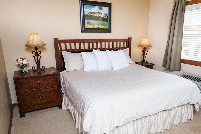 Glacier Ridge Suites
