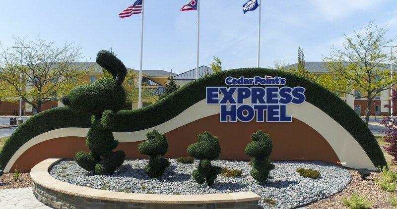 Cedar Points Breakers Express