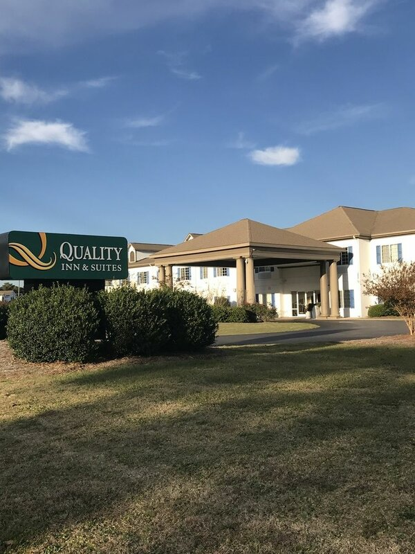 Quality Inn And Suites Sneads Ferry - North Topsail Beach