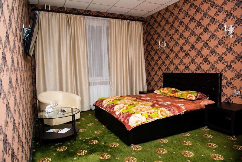 Отель Плюс