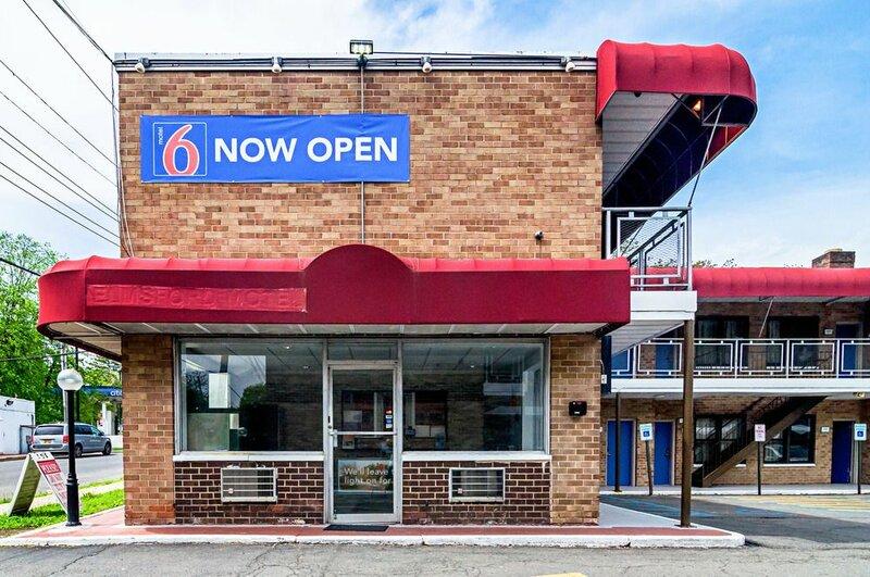 Motel 6 Elmsford, Ny - White Plains
