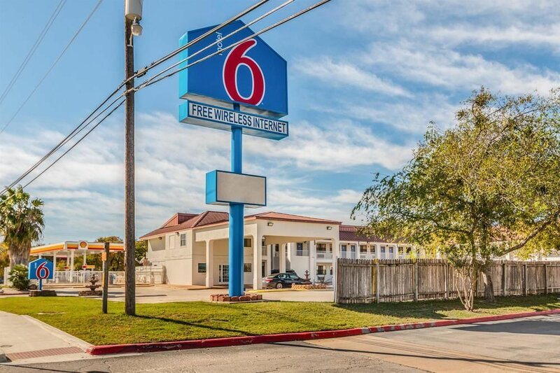 Motel 6 San Marcos, Tx - North