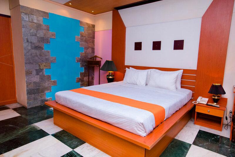 Hotel Golden Deer