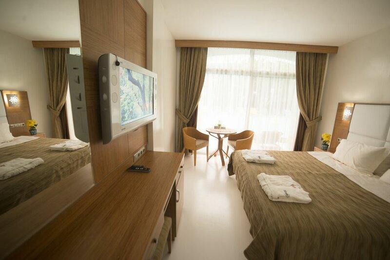 Rooms Bohemian Hotel