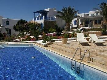 Dolphin Antiparos Villas and Suites
