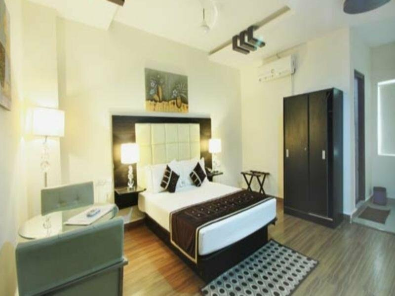 Rooms in Gachibowli Dlf