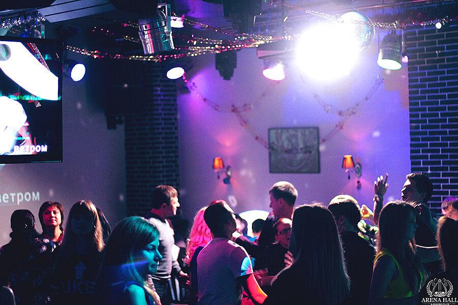 Ночной клуб в новозыбкове среда клубы москва