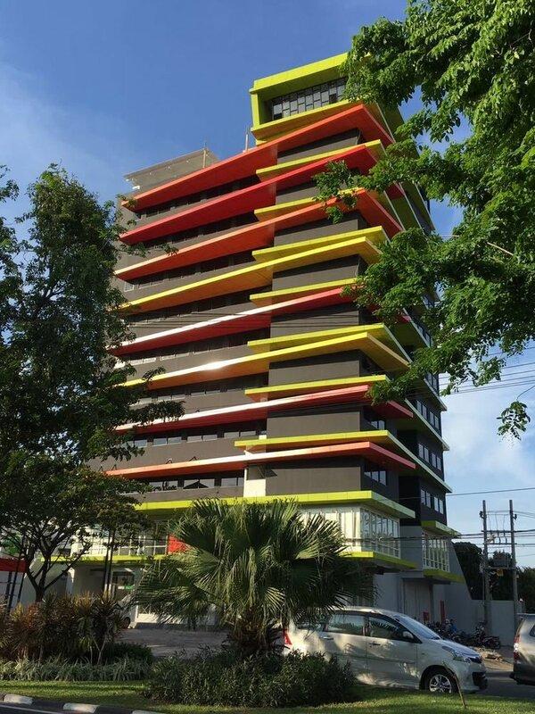 MaxOneHotels at Dharmahusada - Surabaya