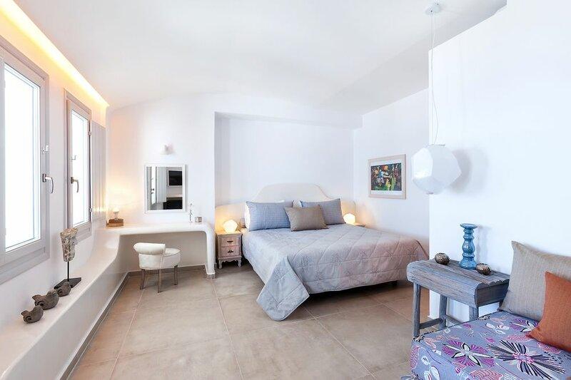 Отель Santorini Secret Suites & SPA
