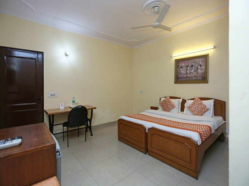 Oyo 542 Hotel Kalkaji Residency