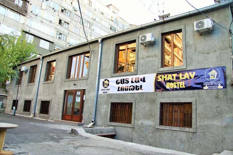 Shat Lav Hostel