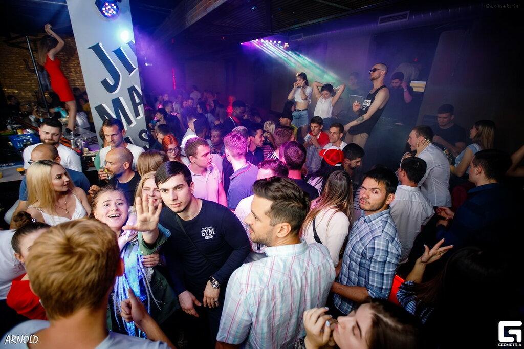 Бары и ночные клубы ростова клуб честерфилд в москве
