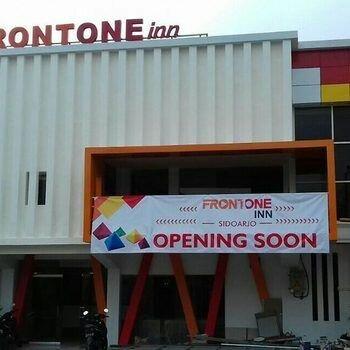 Front One Inn Sidoarjo