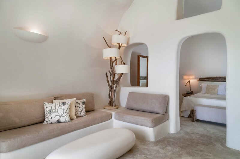 Mystique a Luxury Collection Hotel Santorini