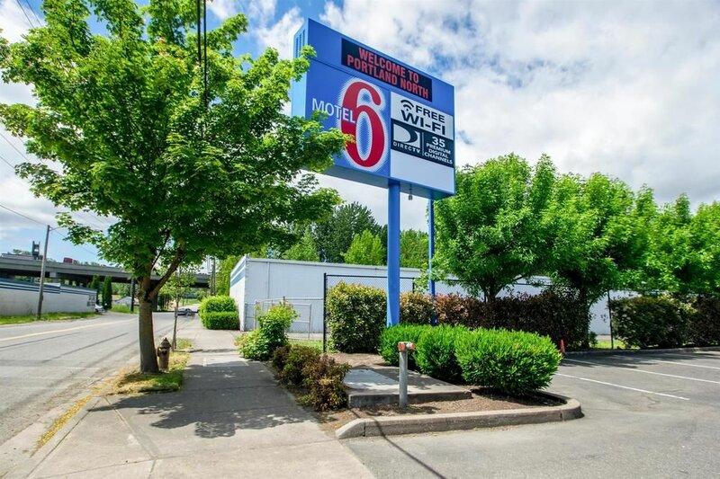 Motel 6 Portland, Or - North
