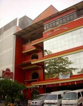 Plaza Maria Luisa Suites Inn