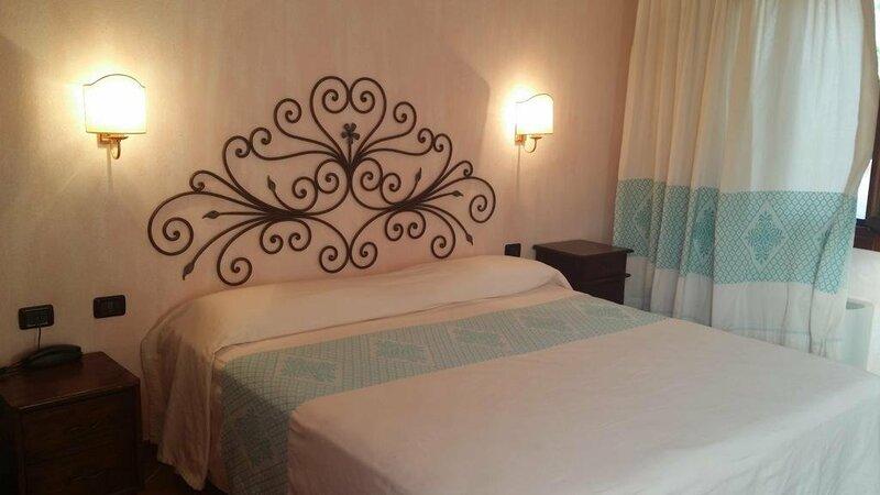 Hotel Ristorante La Tana Di Li Mazzoni