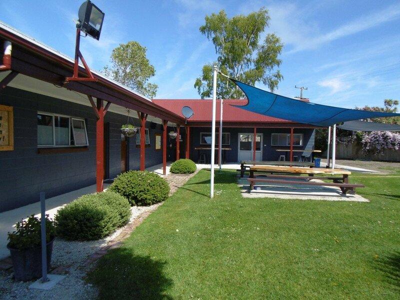 Glenavys Waitaki River Motor Camp - Caravan Park