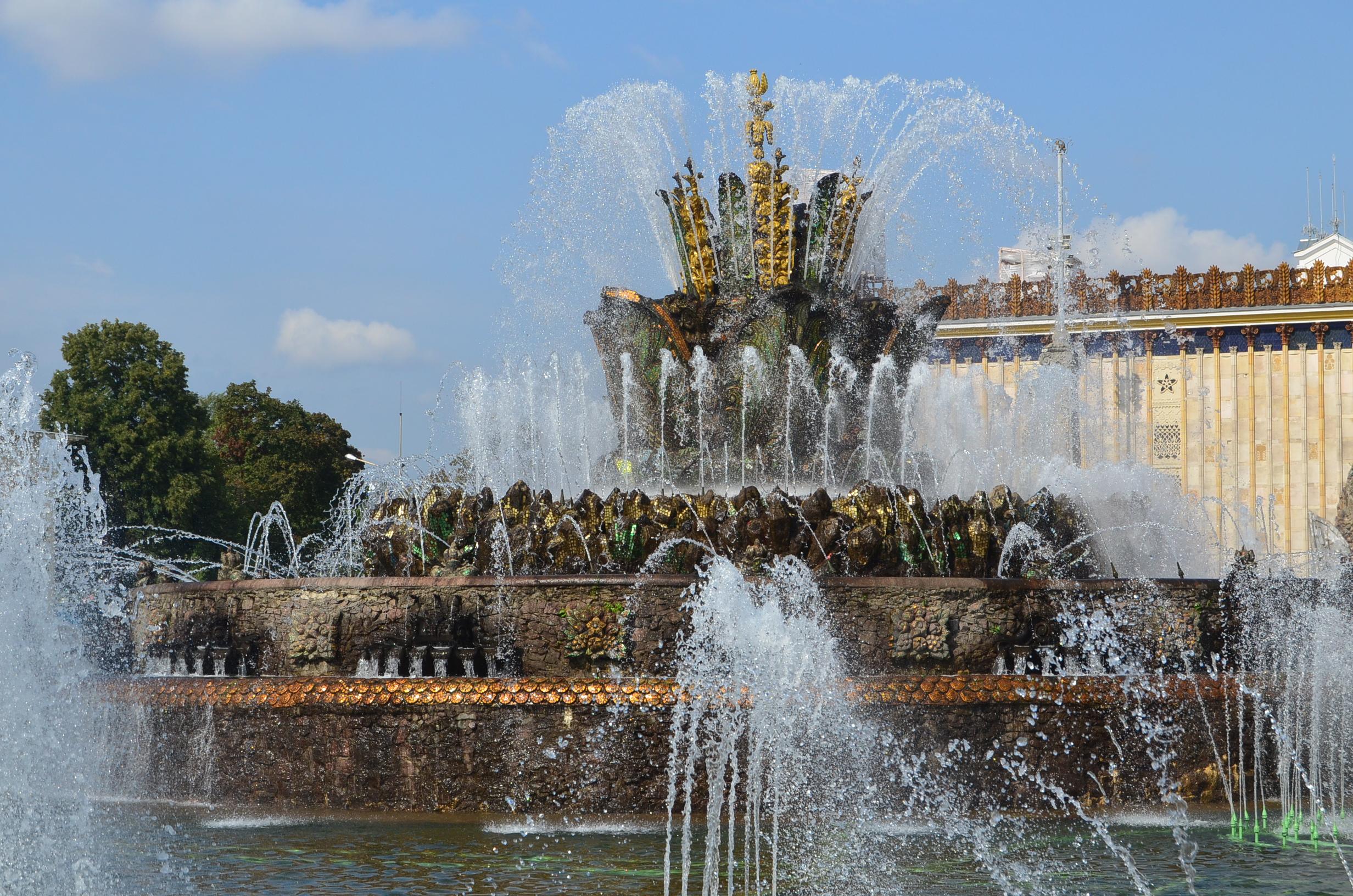 «Полюбуйтесь на обновлённый фонтан на ВДНХ» фото 4