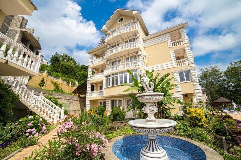 Отель Арина в Лоо