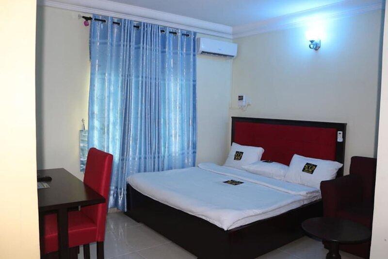 TommsVille Hotels