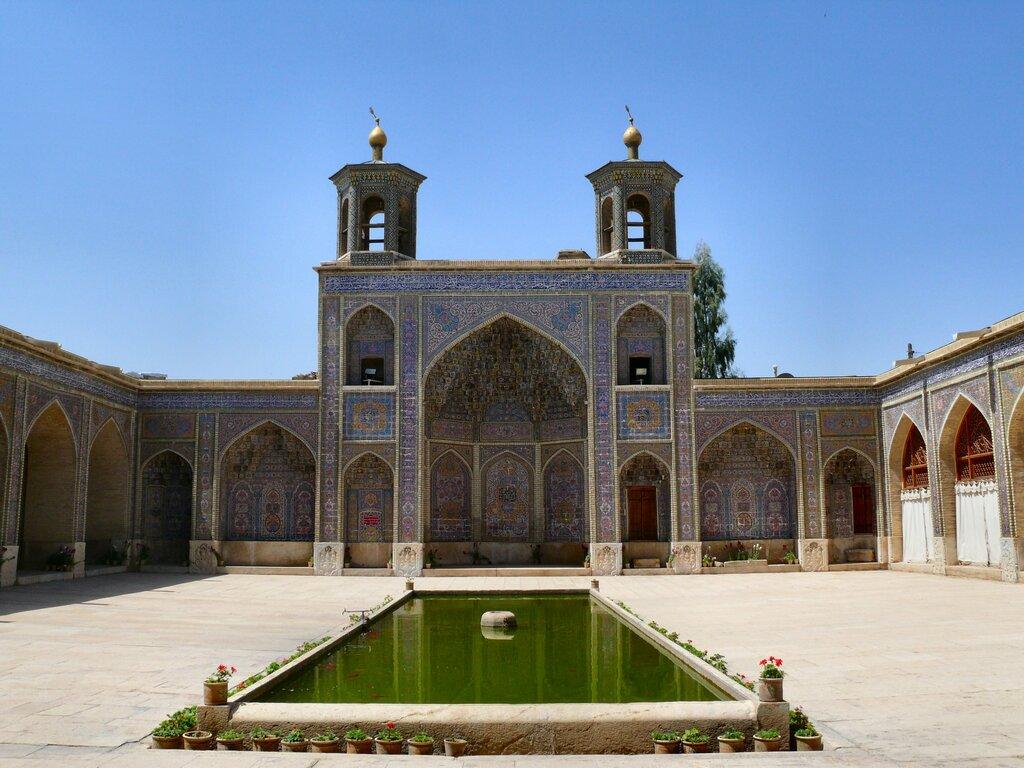 хоть мечети в иране фото может промахиваться