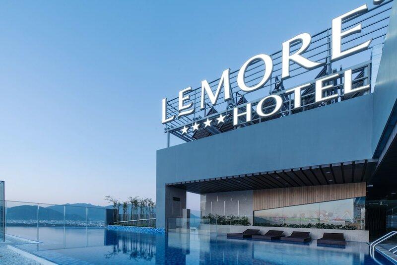 Le More Hotel