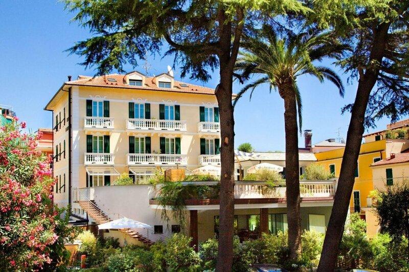 Отель Lamberti