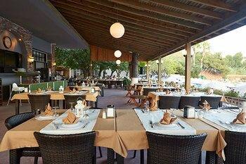 Meteor Beach Hotel & Restaurant
