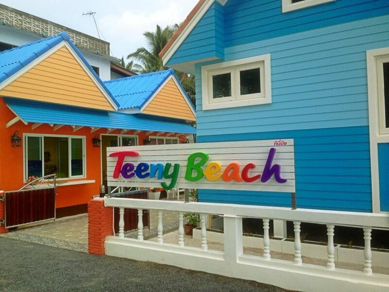 Teeny Beach Bungalow