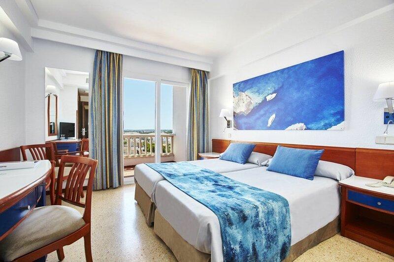 Universal Hotel Romantica