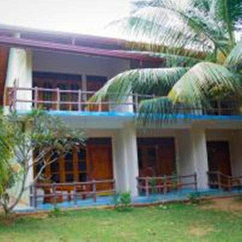 Yoho Green Garden Cabanas