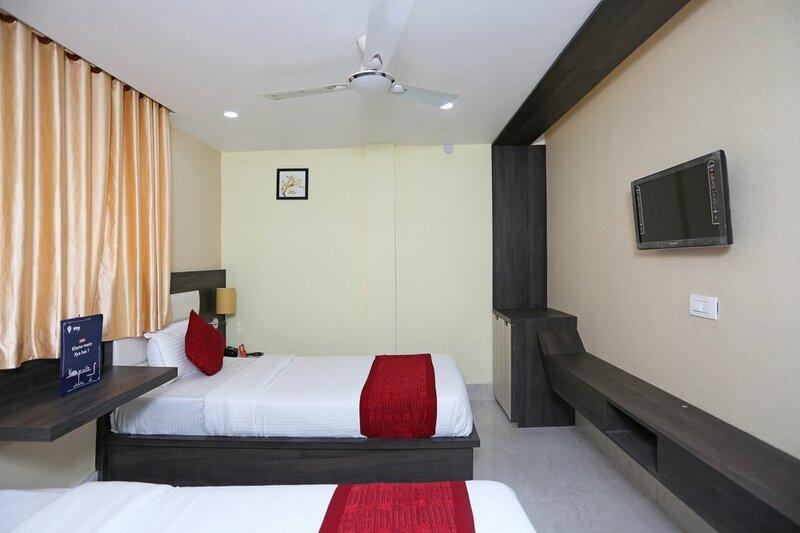 Hotel L N International