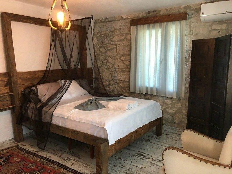 Отель Livan Deluxe