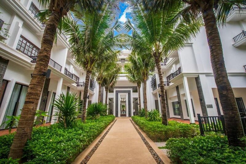 Отель Lotus Blanc Resort