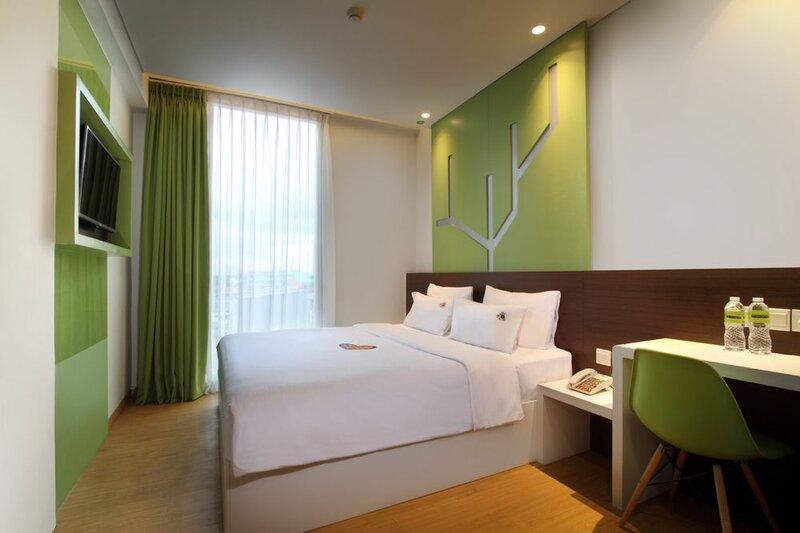 MaxOne Hotels at Pemuda