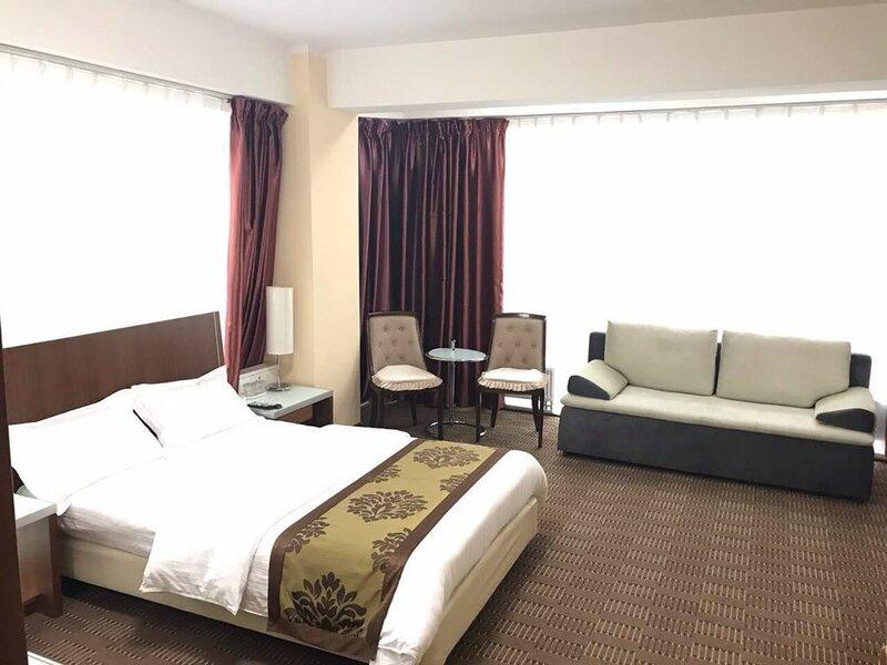 Munkh Khustai Hotel