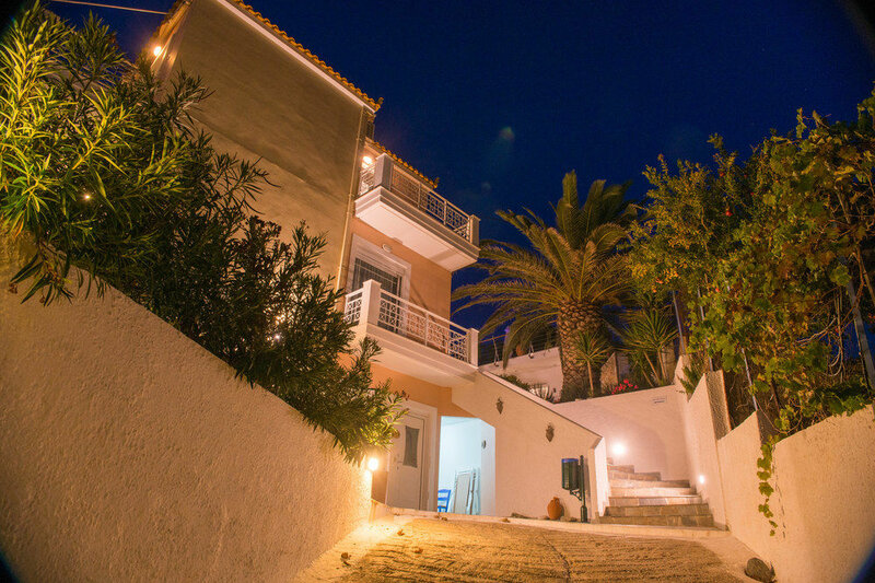 Maria Plomari Apartments