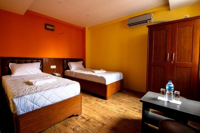 Everest Holiday Inn