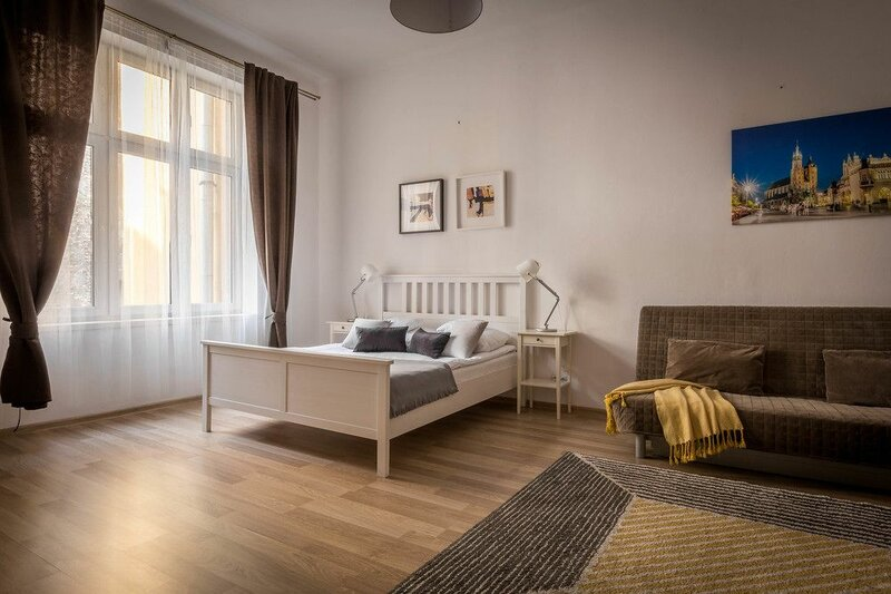 Fragola Budget Rooms And Apartments