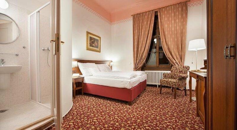 Ea Zamecky Hotel Hruba Skala