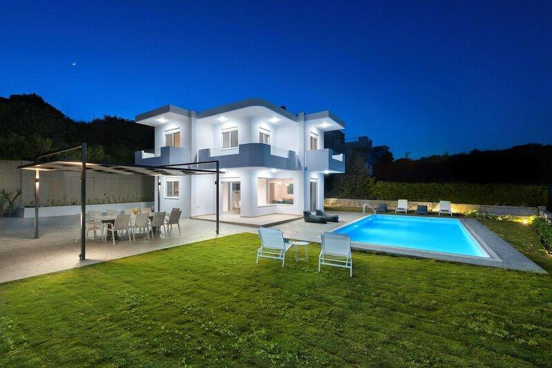 Hill & Sea View Villas