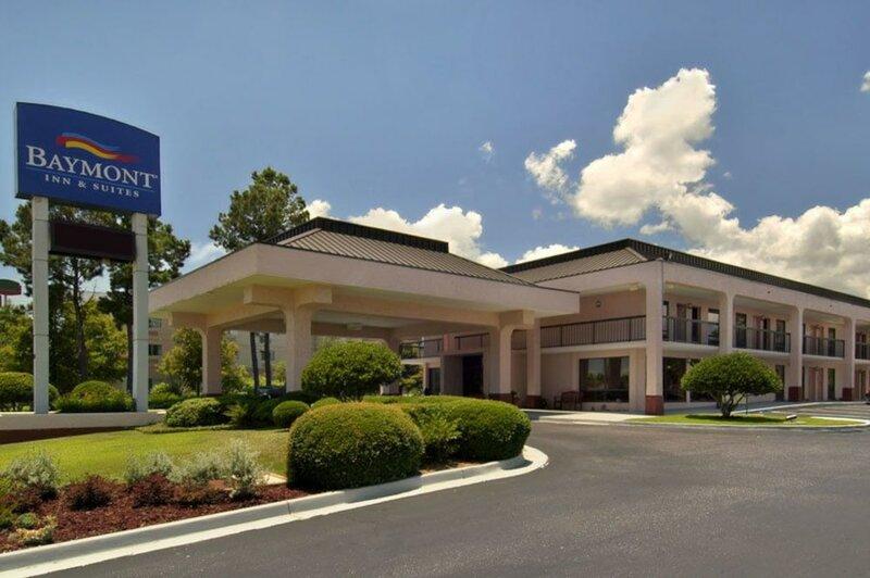 Baymont Inn & Suites Mobile I-65
