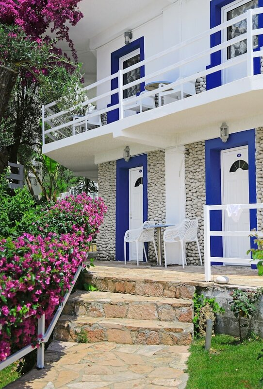 Drymades Resort